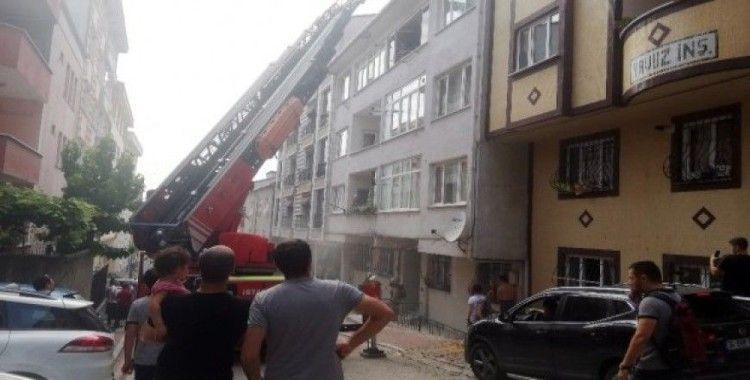 Esenyurt'ta korkutan yangın, aralarında bebeklerinde mahsur kaldığı çok sayıda kişi kurtarıldı