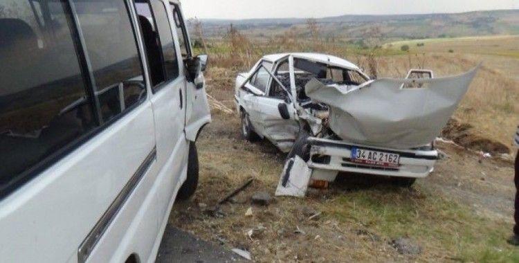 Silivri köy yolunda kaza: 2 yaralı