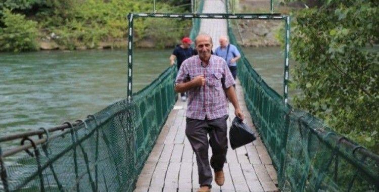 Artvin'de Çoruh Nehri üzerinde bulunan 11 asma köprü tarihe meydan okuyor
