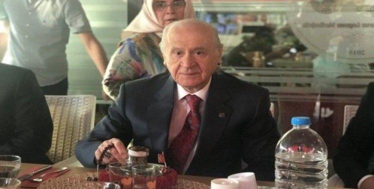 MHP Lideri Bahçeli, 40 yıl hatırlı 'Türk kahvesi' içti