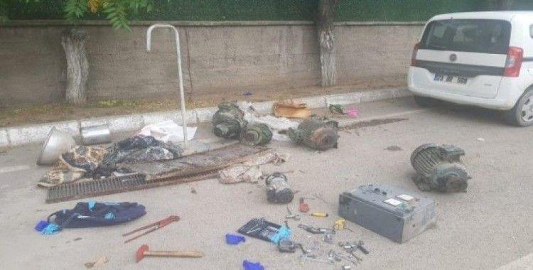 Jandarma, kiralık aracın GPS'inden hırsızlığı ortaya çıkardı:2 gözaltı