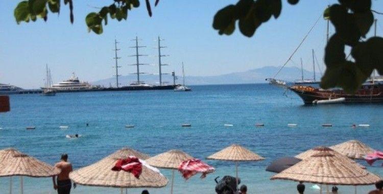 Yunan iş kadınına ait 150 milyon dolarlık yata hayranlıkla baktılar