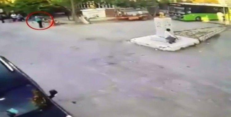 (Özel) Amca ve yeğenin tüfekle öldürülmesi güvenlik kamerasında
