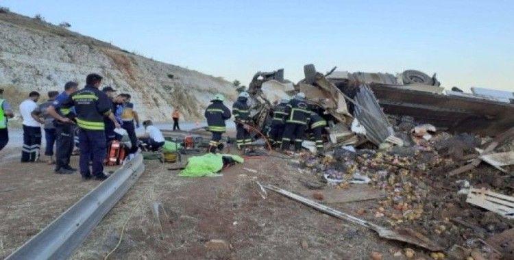 Devrilen Tır'da ölen 3 kişinin cenazesi memleketleri Iğdır'a gönderildi