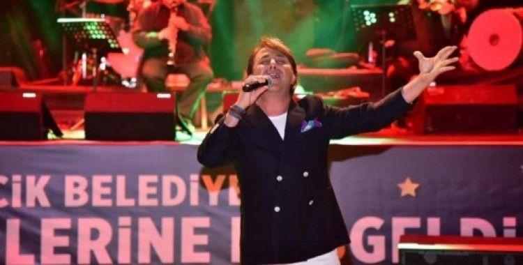 Sanatçı Gökhan Sezen Bilecik'te sahne aldı