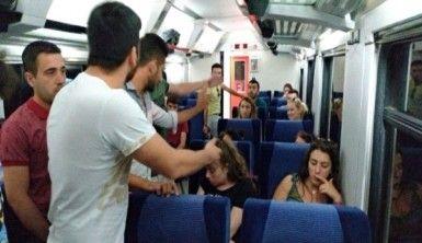 Evcil hayvanıyla binmek istediği trene 2 saat rötar yaptırdı