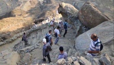 Müslümanlar Sevr Mağarası'na akın ediyor