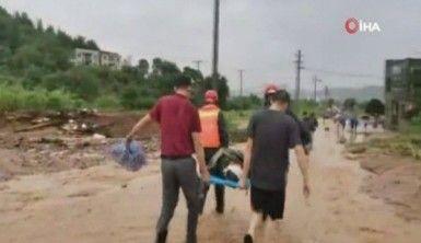 Çin'de şiddetli yağmur ve sel