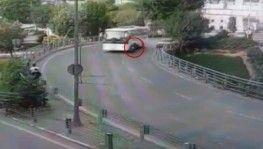 Motosikletlinin ölümden döndüğü an kamerada