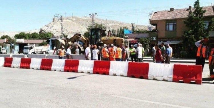 Çayırhan'da sanayi çıkışının kapanmasına esnaftan tepki