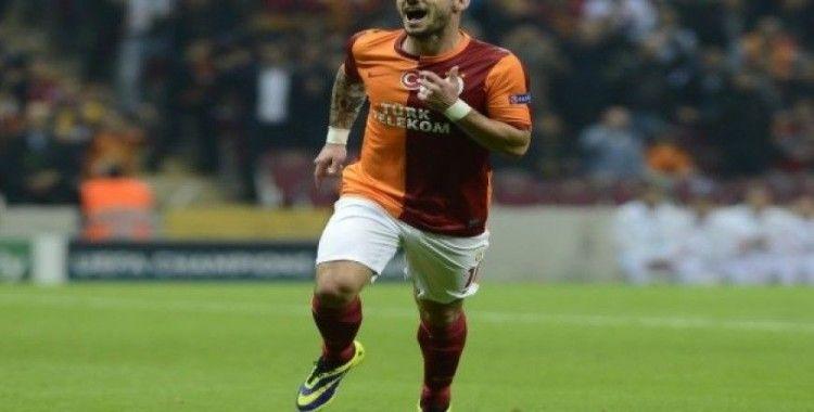 Hollandalı yıldız Wesley Sneijder, yeşil sahalara veda etti