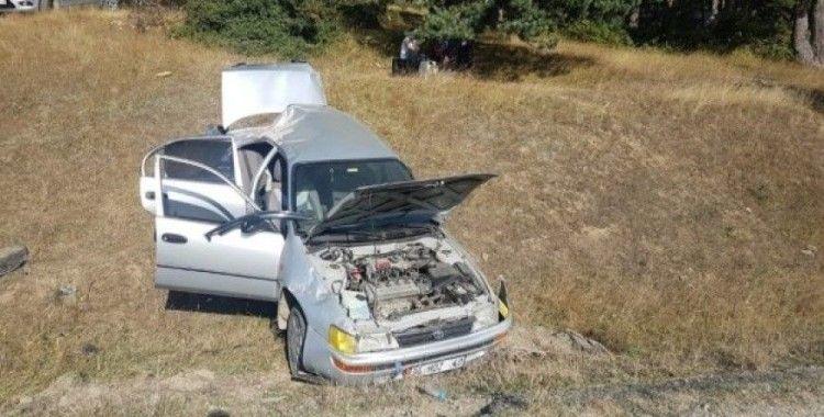 Tokat'ta otomobil şarampole uçtu, 1'i çocuk 4 yaralı