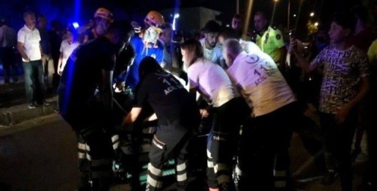 Erzincan'da iki otomobil kafa kafaya çarpıştı: 4 yaralı