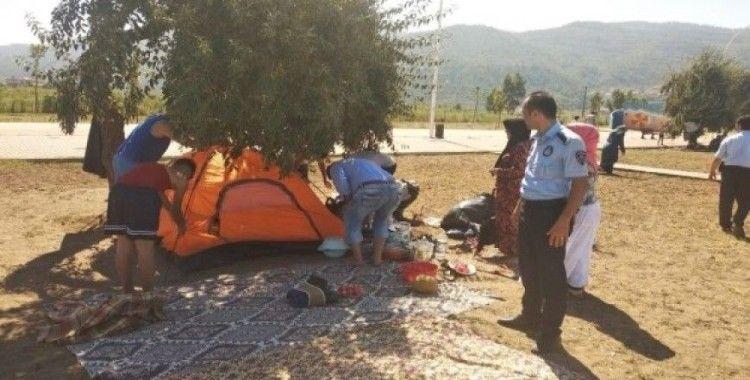 Zabıtadan sahildeki çadırlara müdahale