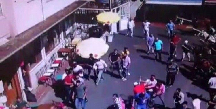 (Özel) Büyükada'daki faytoncularla akülü araç sahipleri arasında kavga kamerada