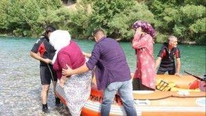 Baraj kapakları açıldı piknik yapan 70 kişi mahsur kaldı