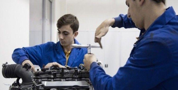 Özel mesleki ve teknik eğitime milyonlarca liralık destek