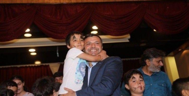 Yüreğir Belediyesi 107 yetim çocuğu sevindirdi