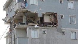 Sancaktepe'de bir dairede patlama