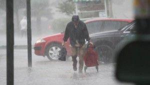 Sağanak ve fırtına Bursa'yı da vurdu