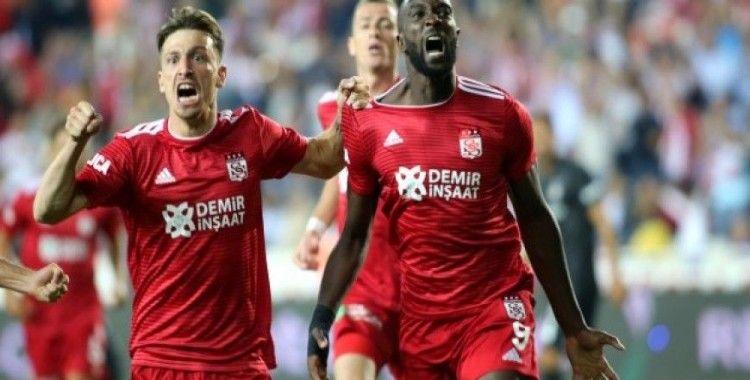 Sivasspor sahasında Beşiktaş'ı mağlup etti