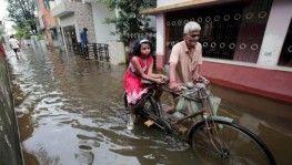 Muson yağmurları binden fazla ölüme neden oldu