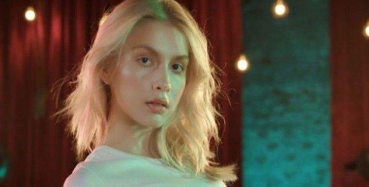 Aleyna Tilki: Iyy ezikler
