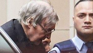 Vatikan, cinsel tacizden suçlanan Kardinali koruyamadı