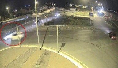 11 kişinin yaralandığı kaza anı güvenlik kamerasında