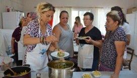 Zeynep Casalini, Kumyakalı kadınlarla mutfakta