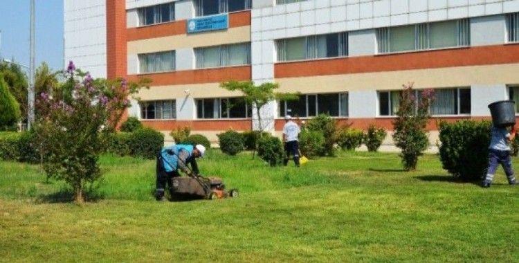 Yunusemre'de okul bahçeleri düzenleniyor