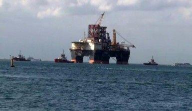 Dev petrol arama platformu 'Scarabeo 9' İstanbul Boğazı'ndan geçiyor