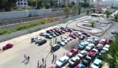 Dolmabahçe'ye klasik araçlarla zafer konvoyu