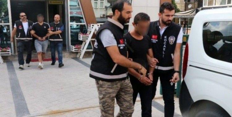 Kocaeli'de marketten 40 bin TL'lik sigara ve kuruyemiş çalan 3 şahıs yakalandı