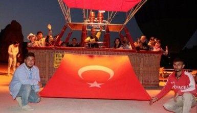 Kapadokya'da Zafer Bayramı gökyüzünde kutlandı