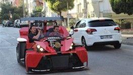 Emekli maaşıyla kendine son model otomobil yaptı