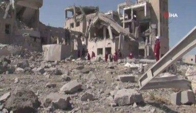 Yemen'deki hapishaneye hava saldırısında ölü sayısı 100 oldu