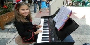 Geleceğin başarılı piyano sanatçısından örnek davranış