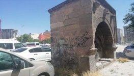 Kayseri'de tarihe büyük saygısızlık