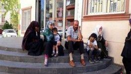 Diyarbakır'da HDP binasına aileler eylem için gelmeye devam ediyor