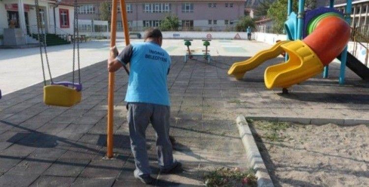 İnönü Belediyesi okul bahçelerinde temizlik seferberliğine başladı