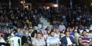 Emet'te yerel sanatçıların konserini 2 bin kişi izledi