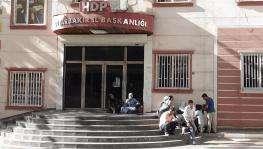 Çocukları dağa kaçırılan ailelerin HDP önündeki eylemi 2. gününde