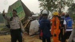 Endonezya'da 20 araçlık zincirleme kaza, 8 ölü