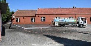 Karabük'te okul bahçeleri yıkanıyor