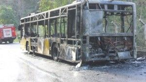 İETT otobüsünün alev alev yandığı anlar kamerada