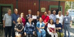 ESKÜDER'den Şeker Mahallesi Muhtarı Canan Arı'ya başarı ödülü