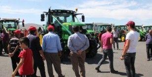 Dev traktör tarım fuarının ilgi odağı oldu