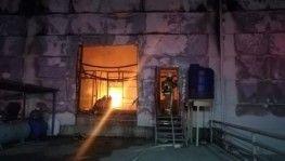 Ekmek fabrikası alev alev yandı