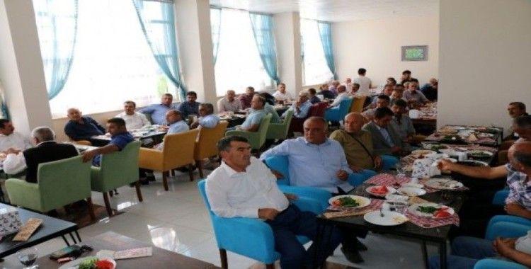Başkan Karadağ, meclis üyeleri ve muhtarlar ile bir araya geldi
